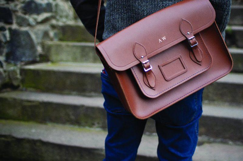 เถาเป่าเทคนิคเลือกกระเป๋าสะพายข้างให้กับตัวคุณ  เถาเป่ากับเทคนิคเลือกกระเป๋าสะพายข้างให้กับตัวคุณ Mailbag 02 800x533