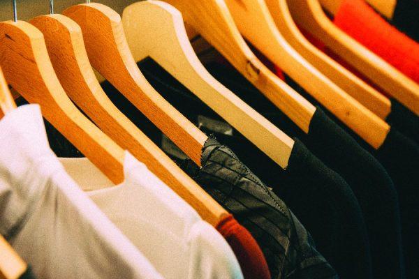 เถาเป่ากับเทคนิคการเลือกเนื้อผ้าของเสื้อยืดก่อนตัดสินใจซื้อ