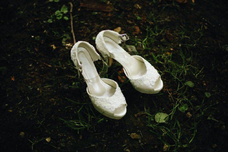 สินค้าพรีออเดอร์กับเทคนิคเลือกรองเท้าเจ้าสาว