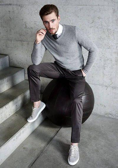 เถาเป่ากับรองเท้าผ้าใบหนัง แมตช์ง่ายง่ายกับชุดทำงาน